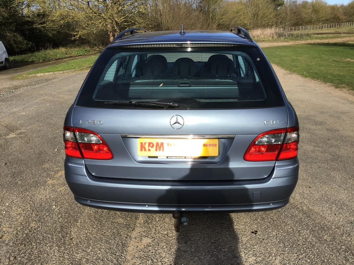 Mercedes Benz - E280