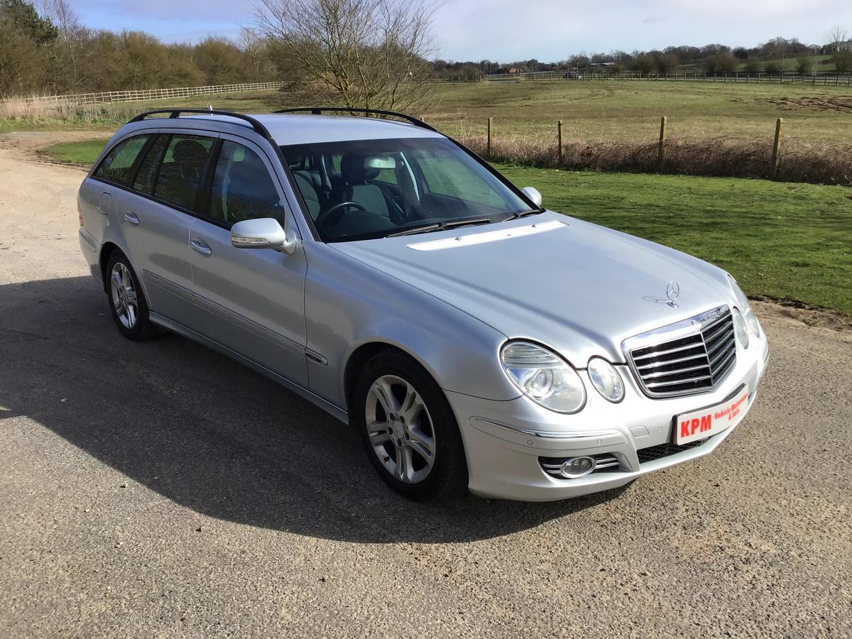 Mercedes  - E220