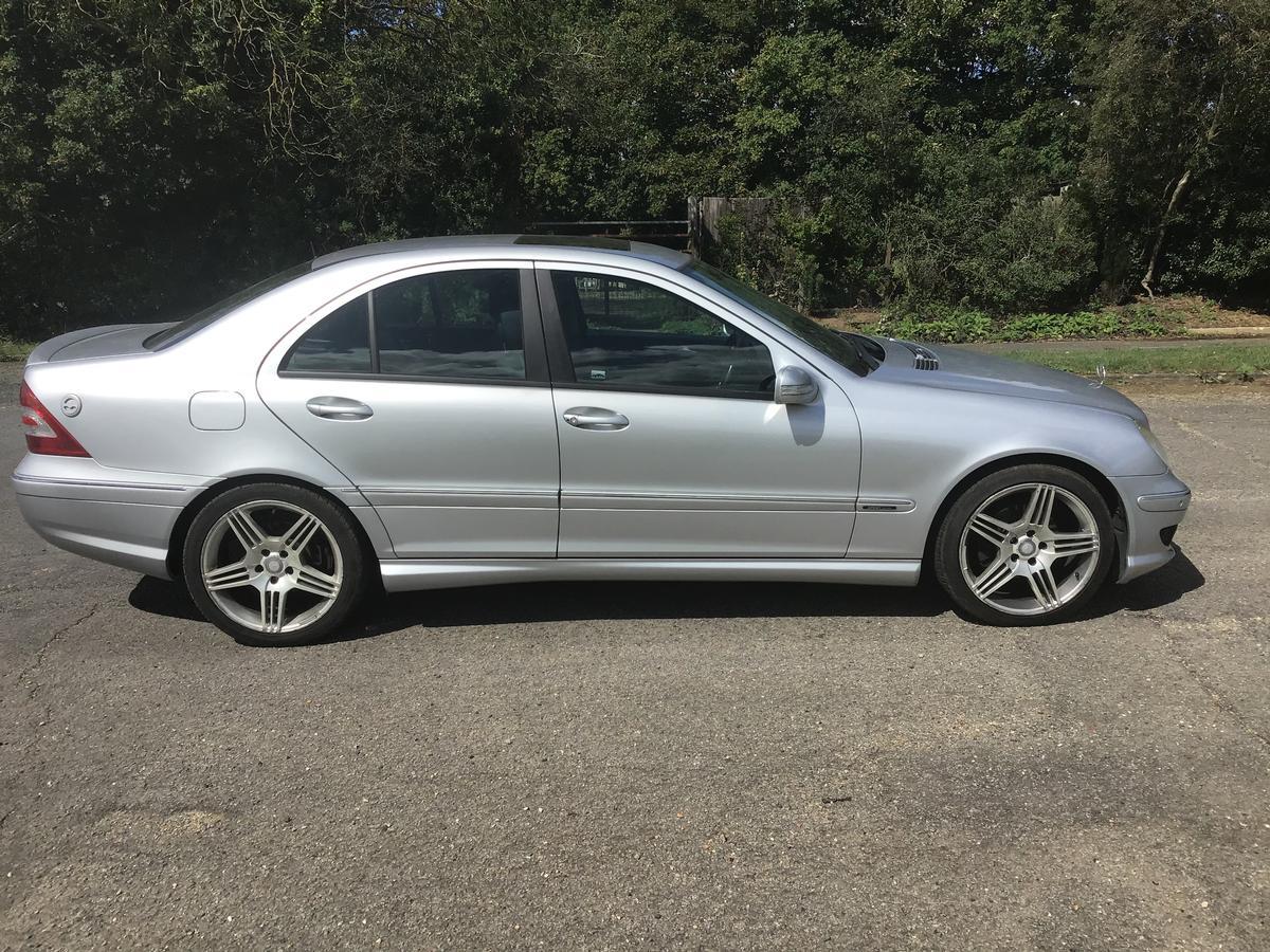 Mercedes - C180